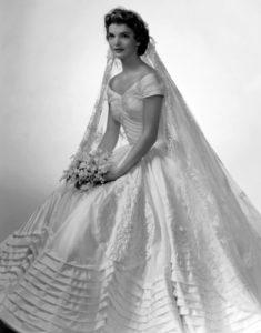 jackie-kennedy-onassis-ladylike-stijlicoon-trouwjurk